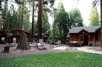 Wer Zelte nicht mag, kann auch kleine Häuschen (sog. 'Cabins') buchen.