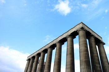 Edinburgh: National Monument auf dem Calton Hill