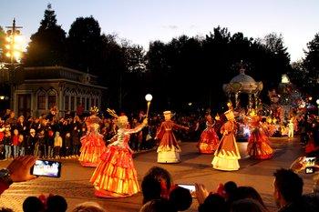 Bei der fantastischen Parade ist wirklich der Disneyzauber spürbar.