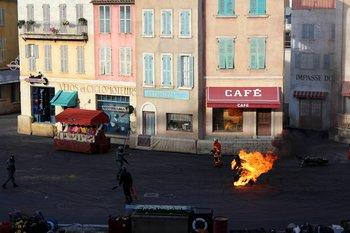 Die Stuntshow 'Moteurs Action' mit realen Stunts und choreografierten Verfolgungsjagten hat mich begeistert.