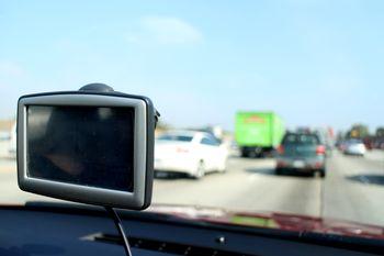 Unser separat erworbenes Navigationsgerät in unserem Mietwagen